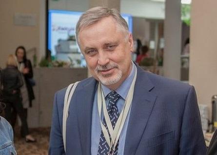Rola leków biopodobnych w leczeniu nowotworów  – wywiad z prof. Tadeuszem Pieńkowskim