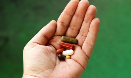 Skutki uboczne leków przeciwbólowych – dlaczego powstają, jak ich uniknąć?